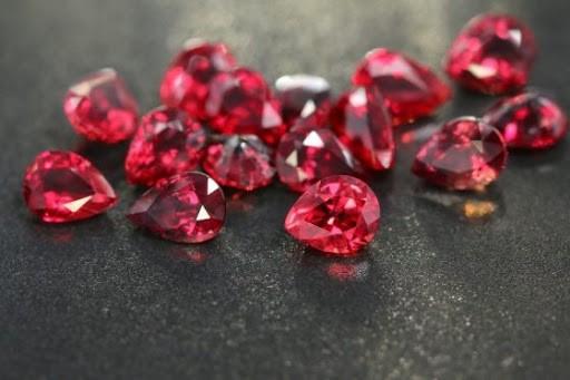 Conozca las 15 piedras preciosas más valiosas del mundo