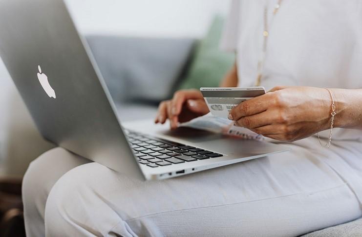 ¿Cuáles son las Mejores Tarjetas para Comprar Online?