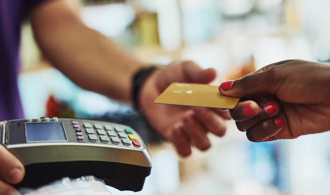 La Tarjeta con Descuentos en Tiendas - Banco Aliado Visa Gold