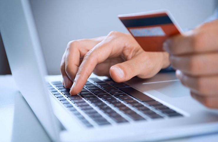 ¿Por qué los Bancos Ofrecen Tarjetas sin Cargo Anual?